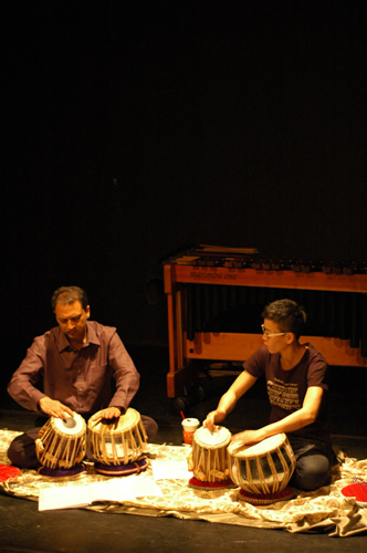Margie's Recital at Hong Kong Arts Centre 2009, Guess performer: Dr Tareef Hayat KHAN (Tabla)